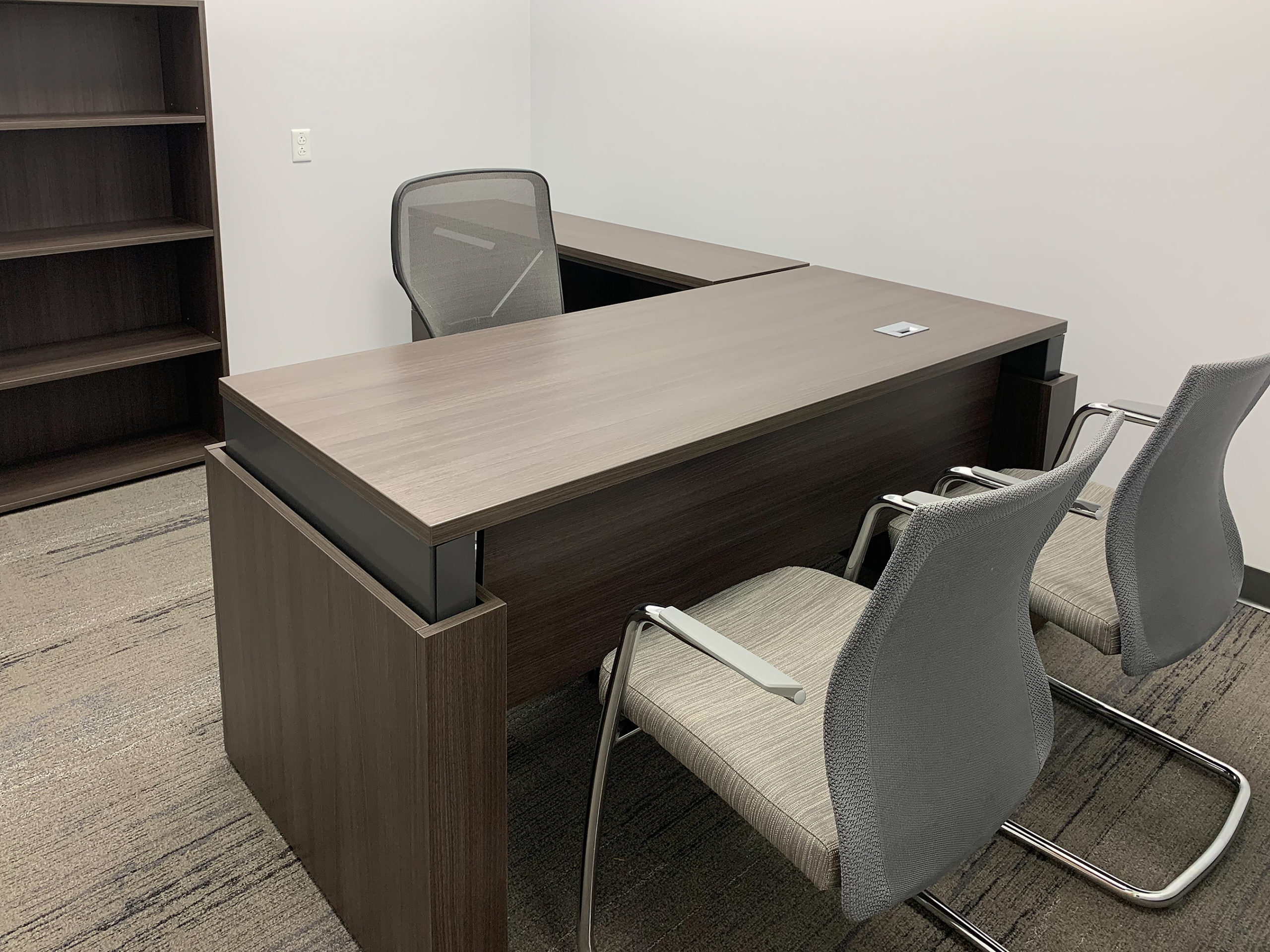 private office height-adjustable desk